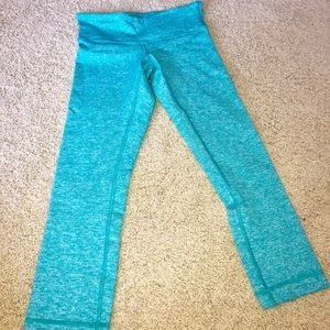 Light blue cropped lululemon pants